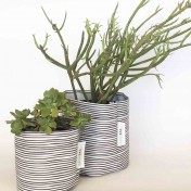 Upcycled planter – Limited Edition – Design print range – Stripy Black – size M – Growbag