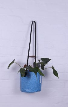 Upcycled hanging planter – Size Medium – Growbag