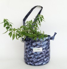 Upcycled hanging planter – Size M – Growbag